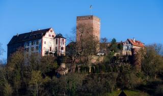 Burg Talseite klein schmal