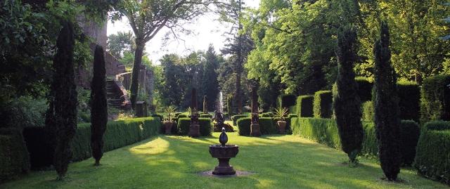 Burgpark Lichtachse kl schmal
